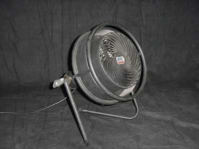 Used primarily for special effects, this fan's speed can be dialed up or down to create everything from a low breeze to a fast, furious burst of air in any direction.